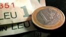 """Leul se întărește în raport cu euro, după anunțul referitor la """"capitularea"""" Greciei"""