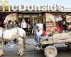 Cum a mancat GENERATIA FAST-FOOD 2 miliarde de euro