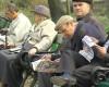 Numarul pensionarilor aradeni scade, iar pensia medie e mai mare cu noua lei, decat in 2011