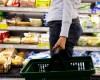 Retailerii: Masurile fiscale anuntate vor saraci populatia si vor afecta bugetul si investitiile