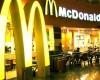 McDonald's a ajuns la tribunal: angajatii au actionat in judecata compania pentru salariile mici platite