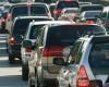 Românii cu venituri peste medie aduc creşterea pe piaţa auto