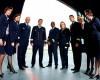 CE SALARII au piloţii şi însoţitorii de zbor la TAROM