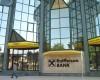 Raiffeisen Bank răsplăteşte acţionarii cu dividende de 138 milioane euro, peste dublu faţă de 2014