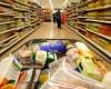 Prețurile din micile magazine nu s-au speriat de reducerea TVA la alimente