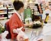 Inflația: Mai puțin de jumătate din scăderea TVA s-a transmis în prețuri