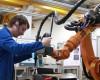 Raport Banca Transilvania: scade producția industrială
